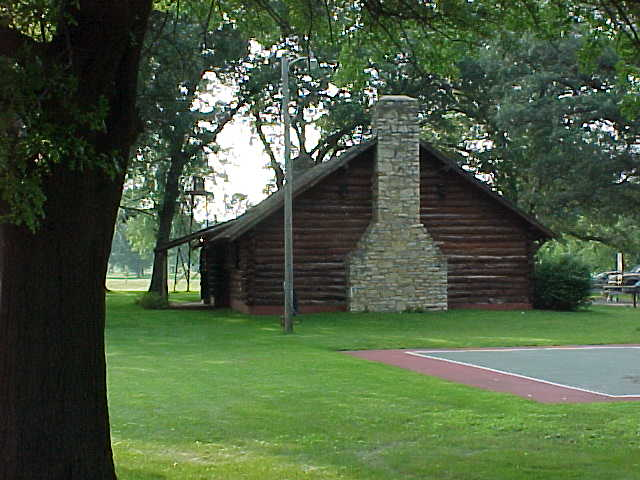 Log Cabin in Riverview Park