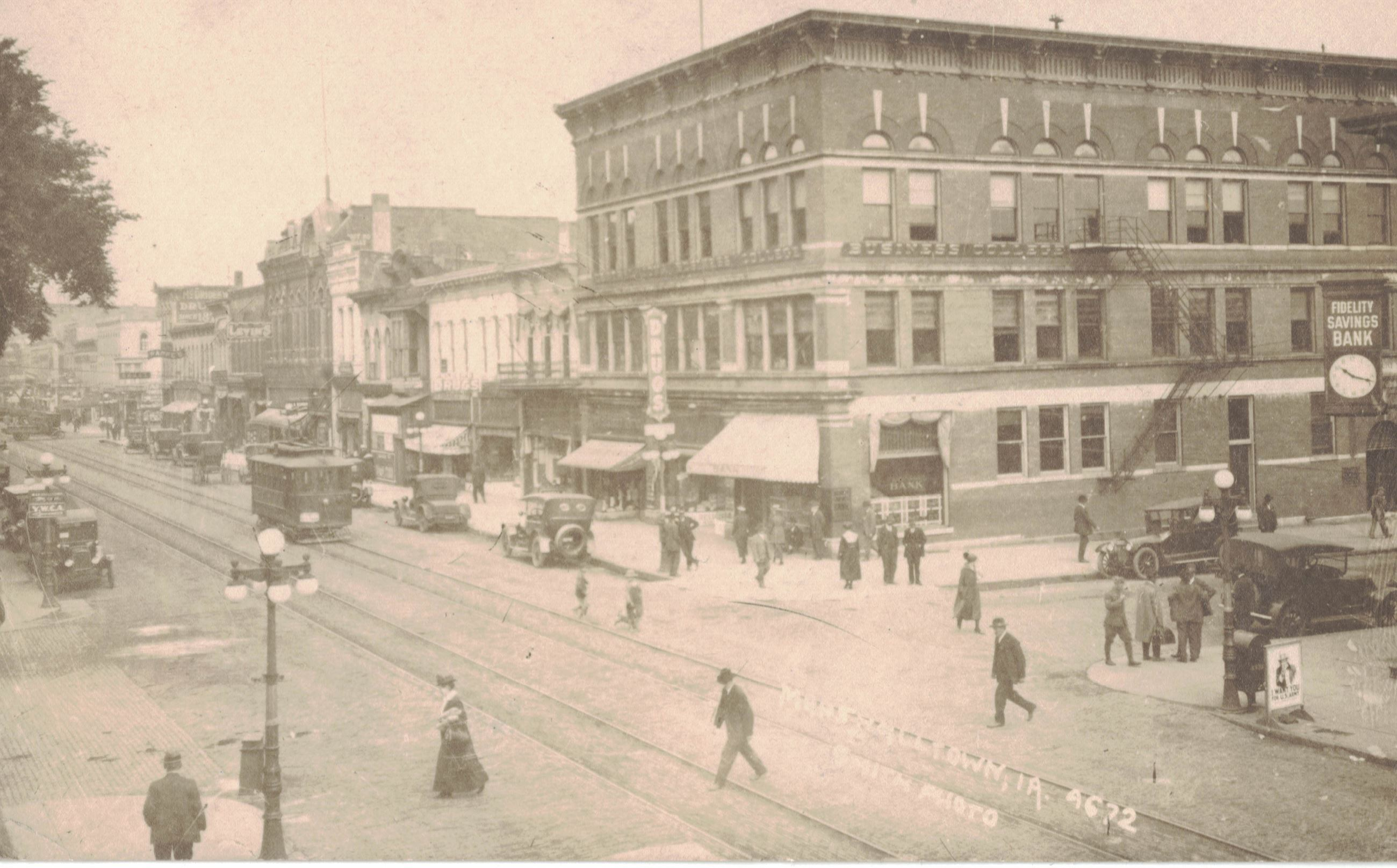 Downtown Marshalltown, 1st Avenue and Main Street, image of postcard front